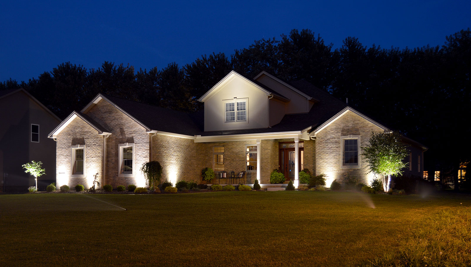 6 Reasons To Invest In Outdoor Lighting