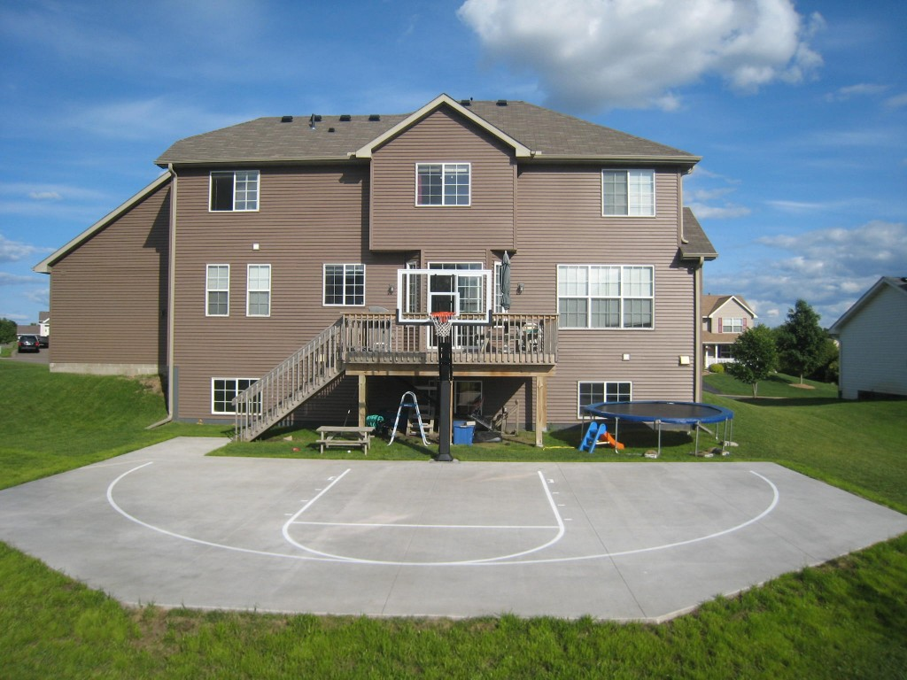 pro-dunk-platinum-backyard-court-277-source