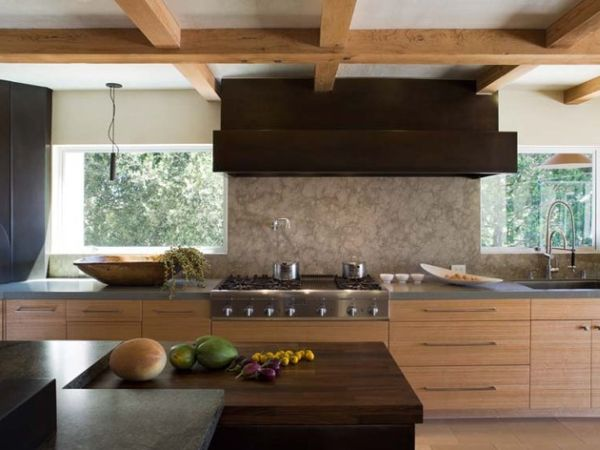 Japanese-country-kitchen-with-a-beautiful-balance-of-dark-and-light-wooden-tones