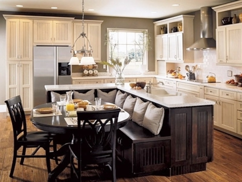 A Kitchen Designed For Entertaining: 6 Tips