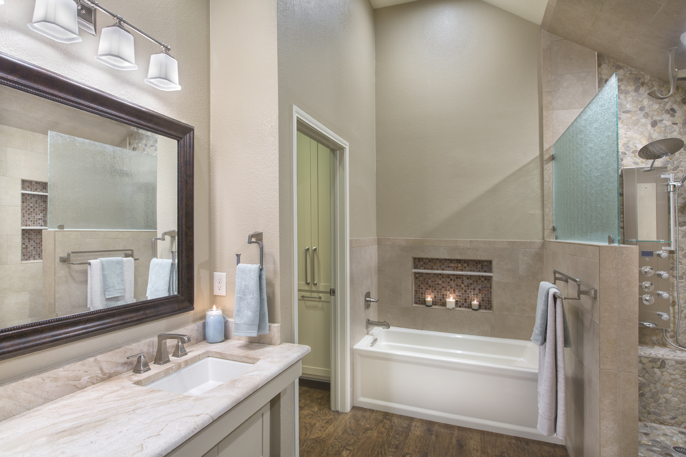 Old home bathroom remodel ideas - Our Recent Clients In Grand Prairie Texas Were Looking To Make Updates And Modifications Throughout The Majority Of Their 20 Year Old Home