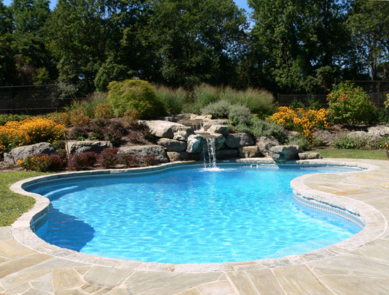 7 Ways to Enhance your Backyard for Summer