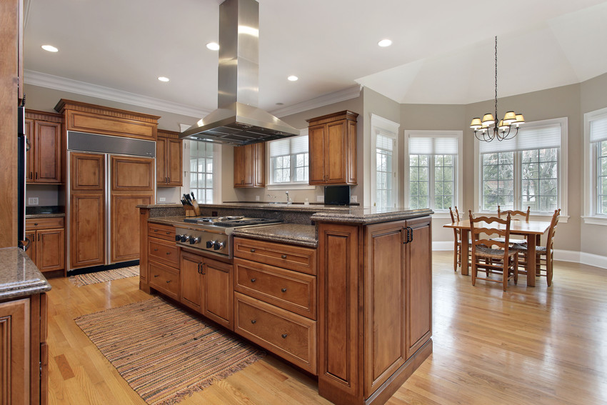 4 Things to Consider Before Including an Island in your Kitchen Remodel